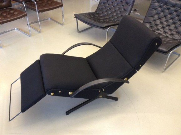 Borsani Tecno P40 Chair 1