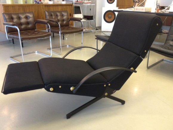 Borsani Tecno P40 Chair 8