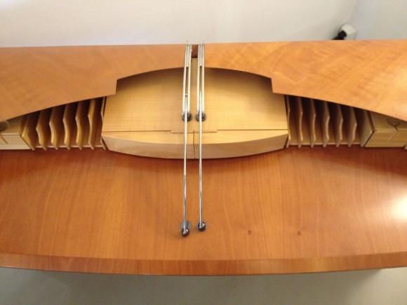 Carlton Desk Tresserra 2