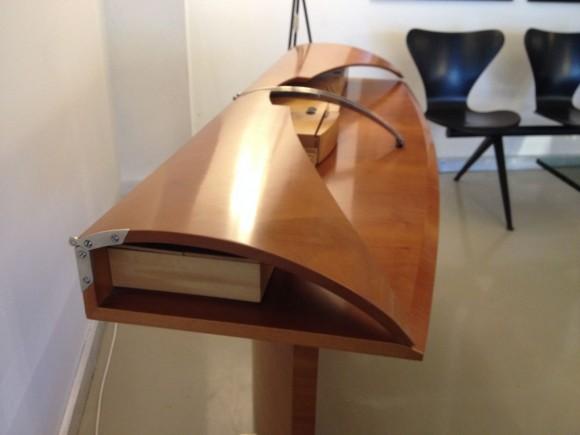 Carlton Desk Tresserra 3