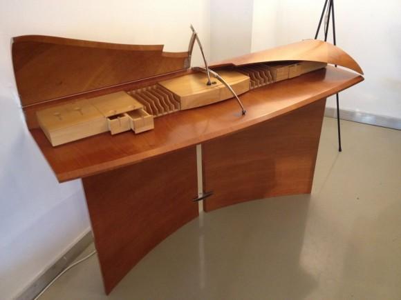 Carlton Desk Tresserra 5