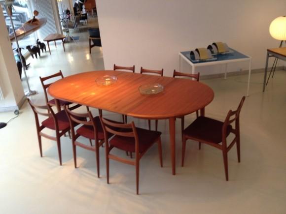 Danish Extendable Teak Table Tisch 2
