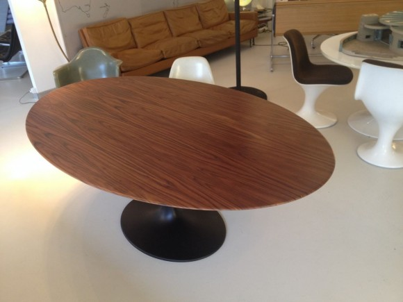 Rosewood Tulip Table 1
