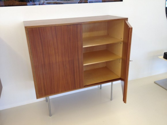 Zwei Kurt Thut Highboards