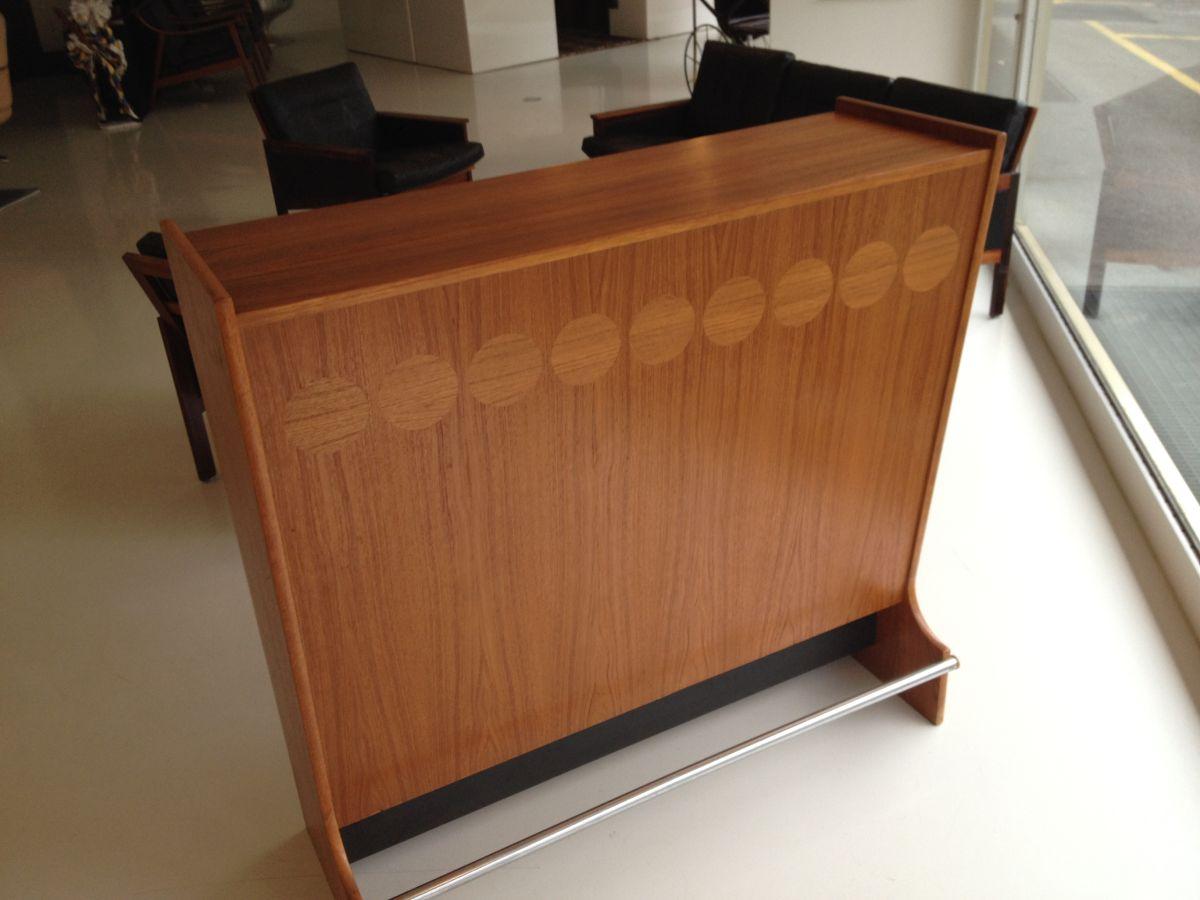 elastique vintage möbel furniture zürich schweiz – Hausbar Dänemark 1960