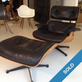 Eames Lounge Chair mit Ottoman