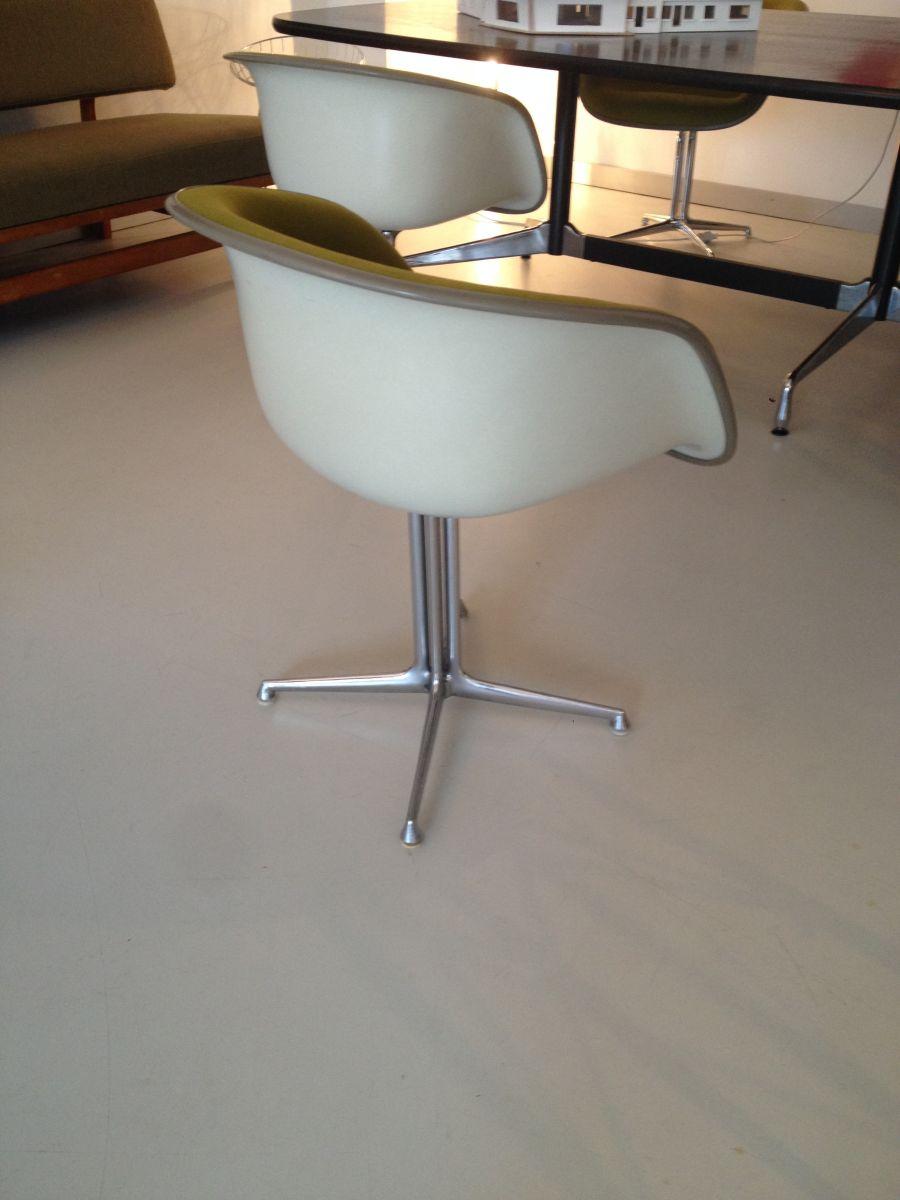 Eames La Fonda Chairs | Elastique Zürich | Vintage Möbel ...