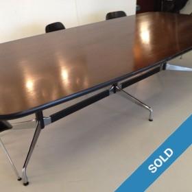 Eames-Tisch für 10 Personen