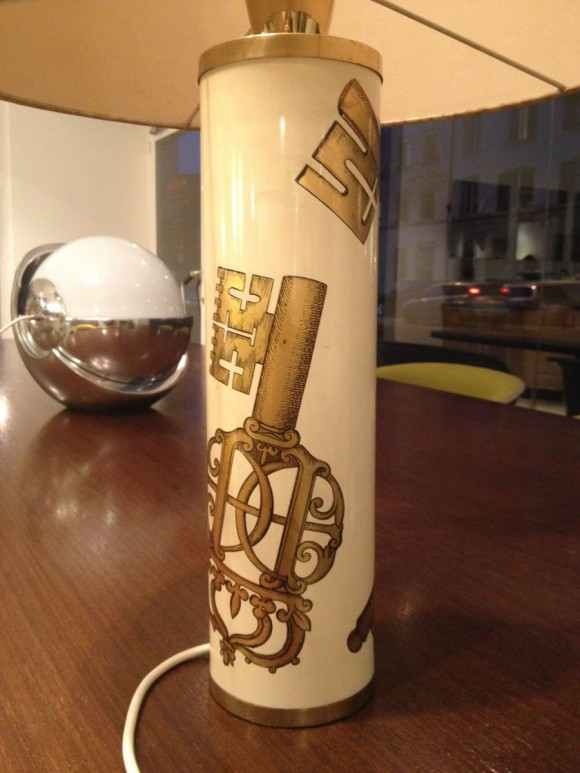 Elastique Zurich Vintage Fornasetti Key Table Lamp 2