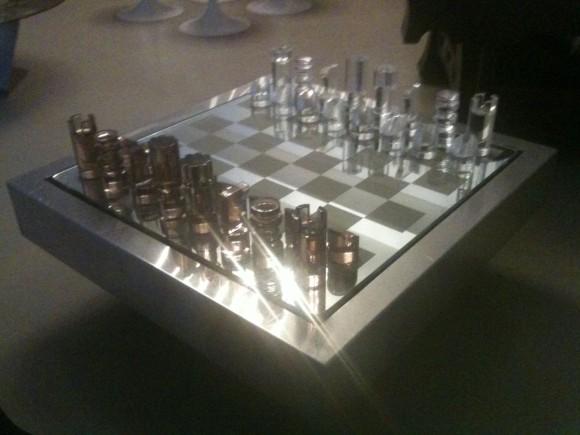 Plexiglas-Schach-Tisch