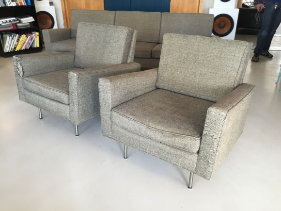 Florence Knoll Sofa And Two Chairs 3