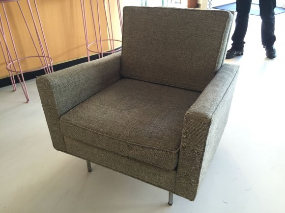 Florence Knoll Sofa And Two Chairs 4