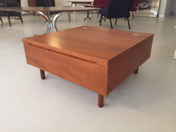 Elastique Vintage Furniture Moebel Zuerich Schweiz Hans Wegner Table Tisch Teak Getama Denmark Daenemark 2