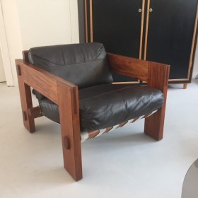 Sessel in Leder und Mahagoni
