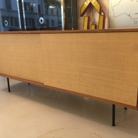Frühes Florence Knoll Sideboard
