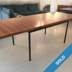 Florence Knoll Tisch mit Auszug
